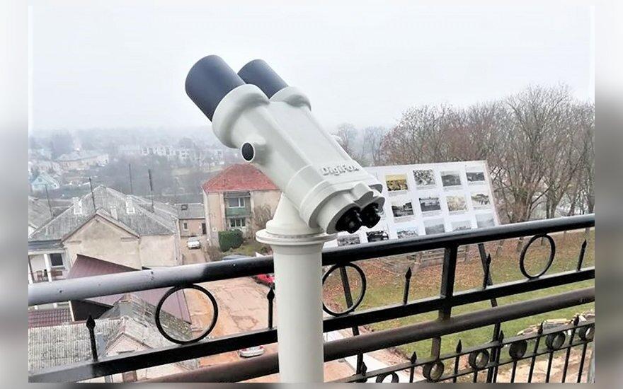 Grožėtis Ukmerge iš apžvalgos bokšto nuo šiol galima naudojantis žiūronais