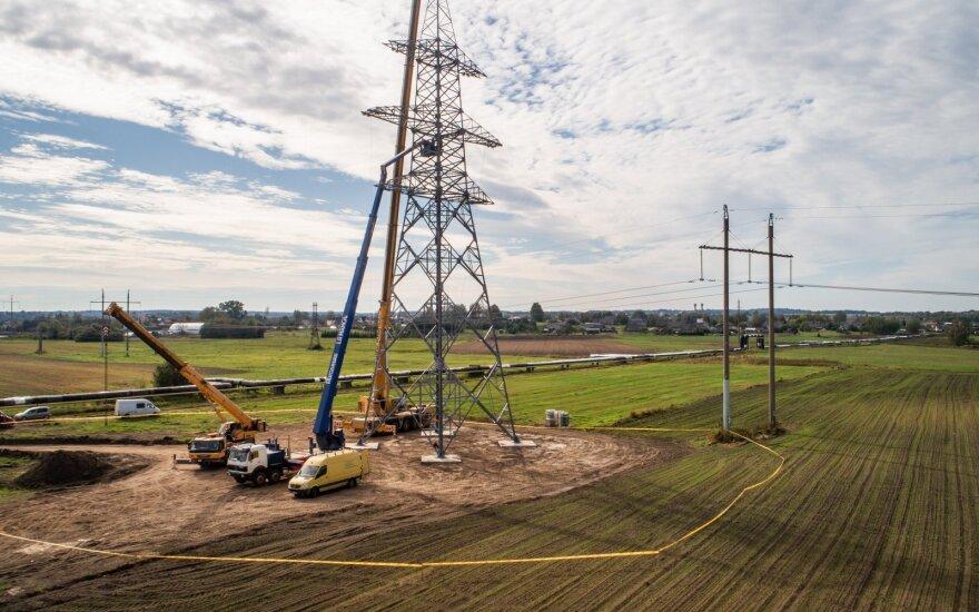 Balandį elektra Lietuvoje pigo 7 proc.