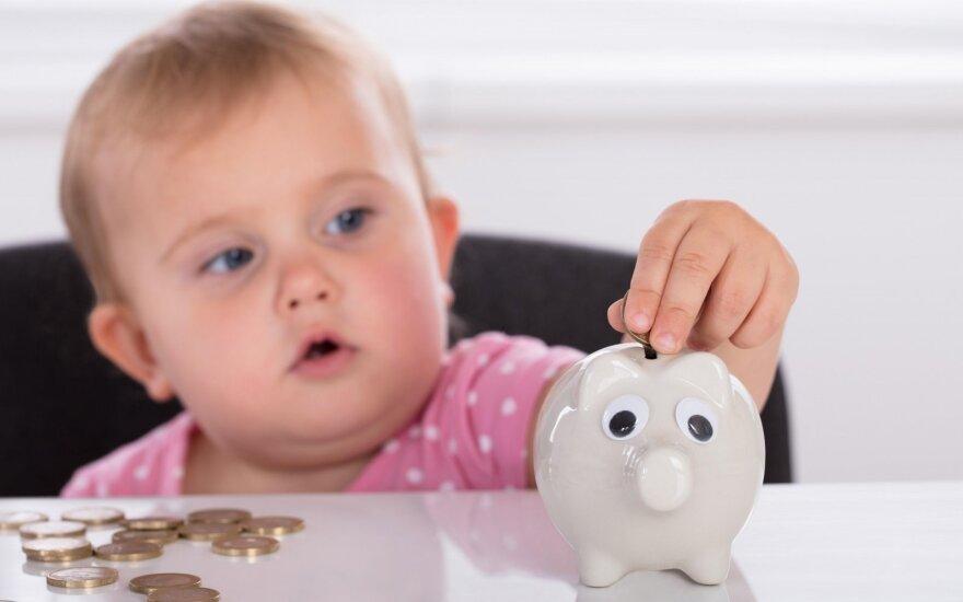 Vaikai kainuoja: paskaičiavo, kiek per mėnesį padidėja išlaidos, susilaukus vaikų
