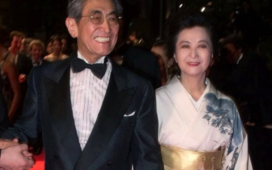 Nagisa Oshima su žmona