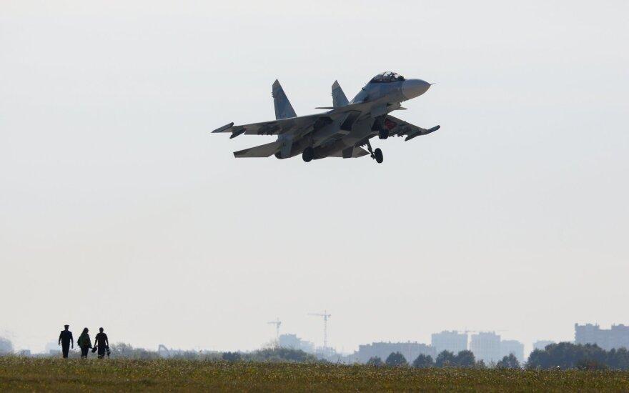 TASS skelbia, kad Rusijos pajėgos numušė savo pačių naikintuvą