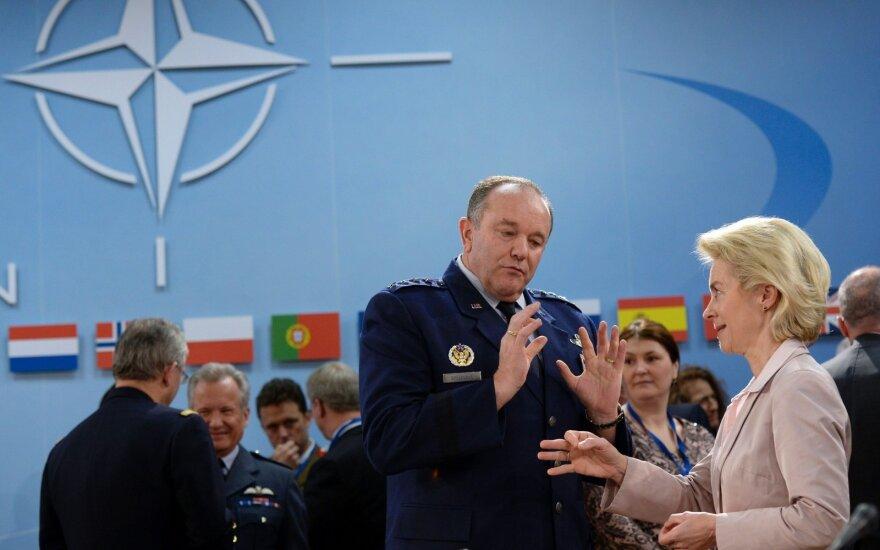 NATO commander Philip Breedlove and German minister Ursula von der Leyen