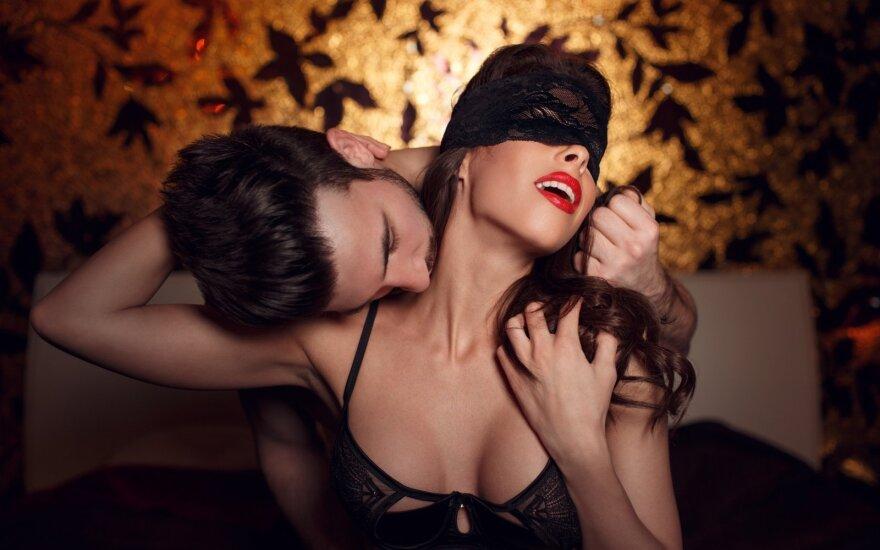 Seksologai atsakė, ar reikia sunerimti dėl partnerio seksualinių fantazijų ir ką daryti, jeigu jos glumina