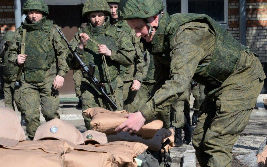 Per Rusijos kariškių pratybas Kazachstane raketos nuolaužos nukrito už poligono ribų