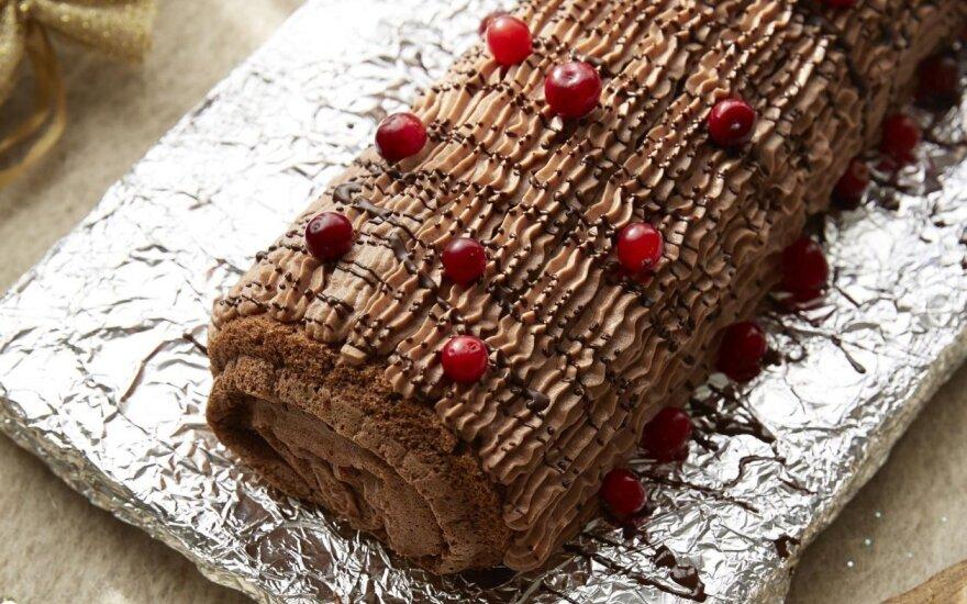 Beata dalinasi: kalėdinis prancūziškas šokoladinis vyniotinis