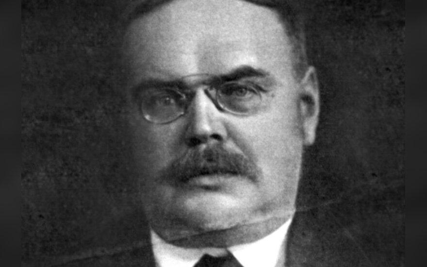 Prismenant lietuvių - lenkų aristokratą Mykolą P. Römerį viduryje tilto