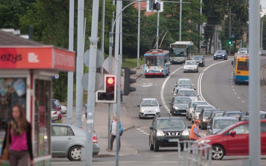Viešasis transportas prieš nuosavą automobilį: kas laimėjo?