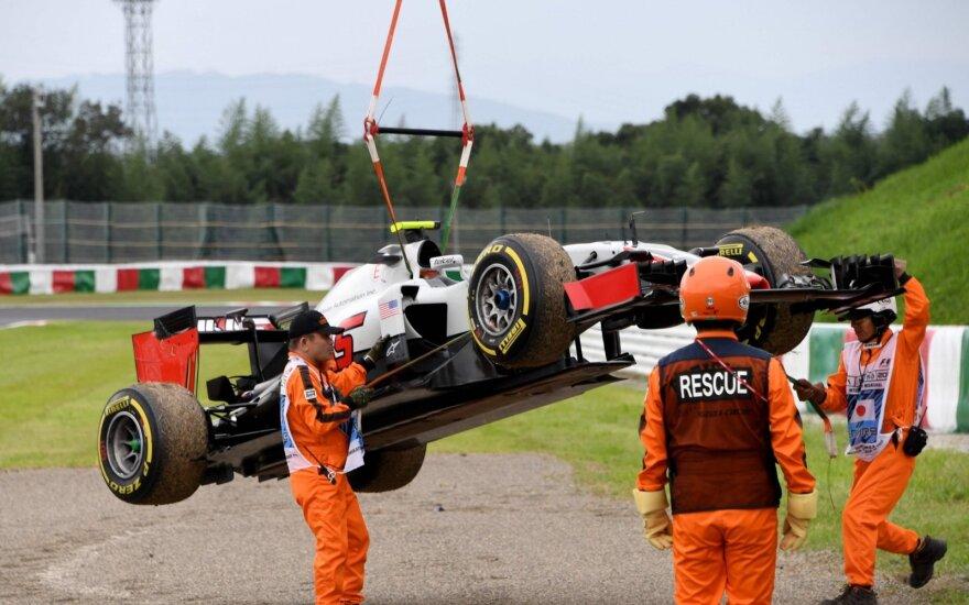 Treniruotėse Japonijoje – N. Rosbergo ir L. Hamiltono kova