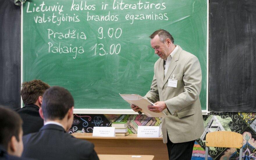 Amžinas karas dėl lietuvių kalbos egzamino: kas iš tiesų nuskriaustieji?