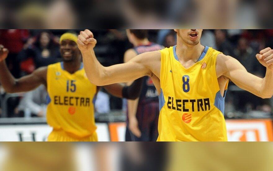 """Lioras Eliyahu ir """"Maccabi"""" išplėšė pergalę"""