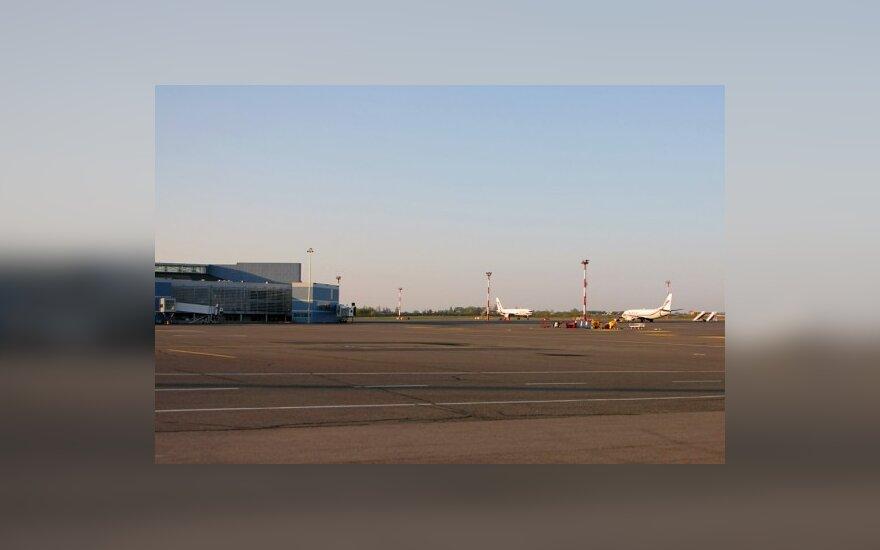 Dėl važiuoklės problemų į Briuselį skridęs lėktuvas grįžo į Vilnių