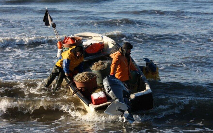 Karklės žvejai grįžta tuščiais tinklais © DELFI (M.Milinio nuotr.)