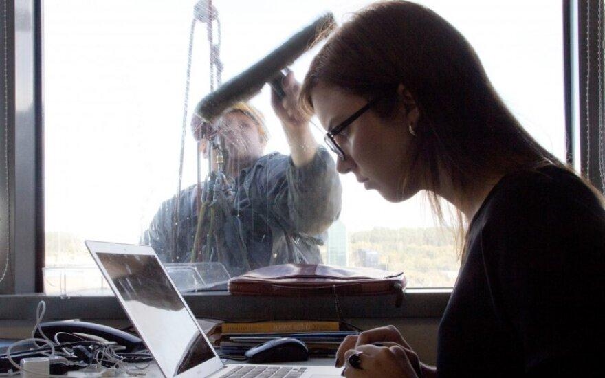 Siūlo keisti Darbo kodeksą: daugiau uždirbantiems – liberalesnės nuostatos