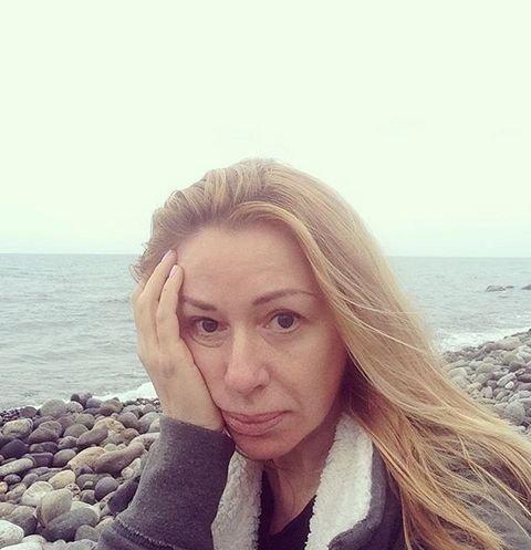ФОТО: 51-летняя Алена Апина показала себя без косметики