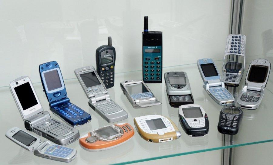 Pirmasis mobilusis telefonas lietuvoje