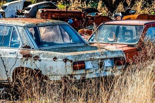 Automobilių atliekos / GIA nuotr.