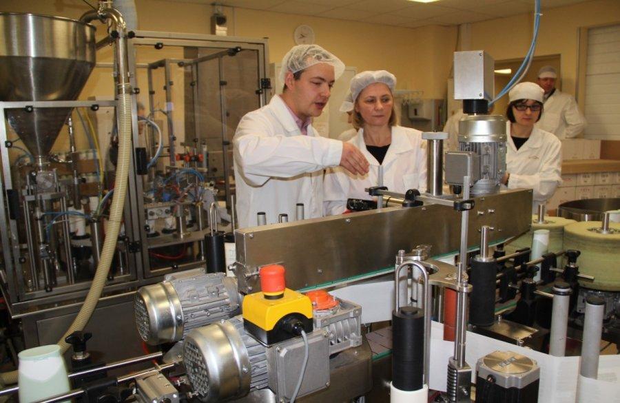 biok laboratorija siulo darba  u2013 vestito per la moda della ragazza