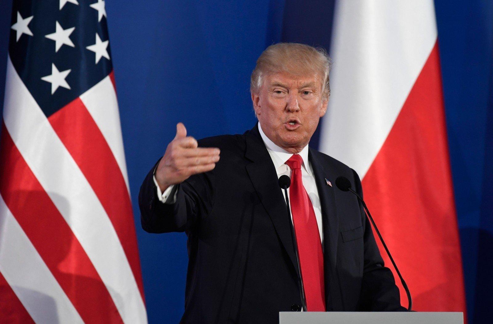 Экс-советник Трампа: «США сами вмешивались ввыборы вРоссии»