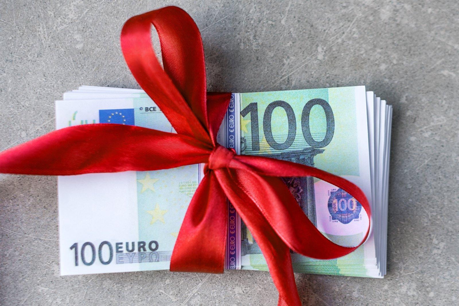 dirbti iš rimtų namų nenumatant pinigų)