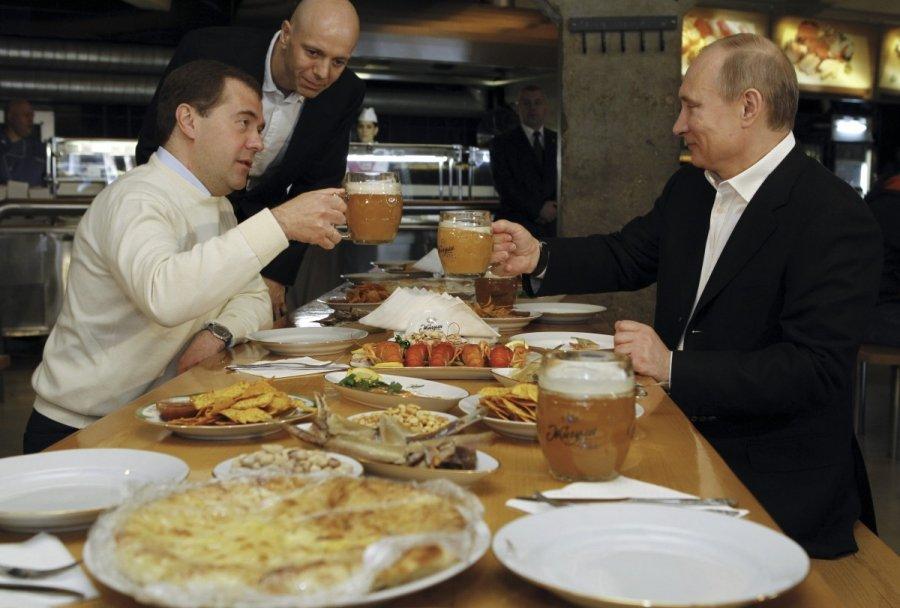 Vladimir Putin Eating