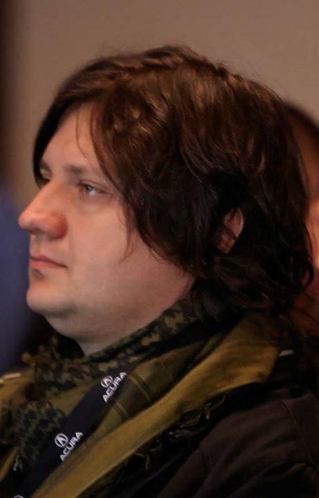 Украинский журналист: это уже не мирный протест, а война, Майдан - фронт