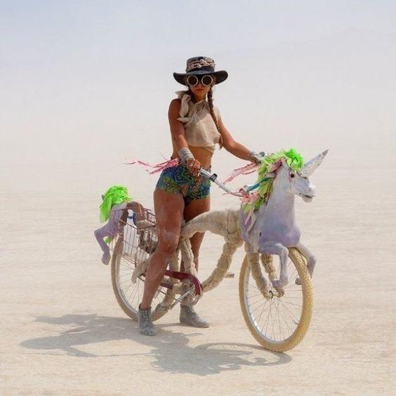 """Meniniai dviračiai Lietuvai - tiesiai iš """"Burning Man"""" dykumos"""