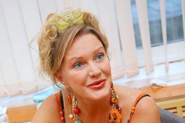 Елена Проклова покаялась перед женами собственных легендарных любовников Янковского иВолонтира