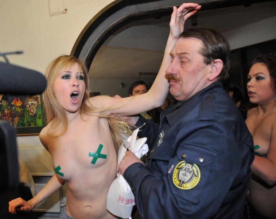 Melissa peterman nude pics