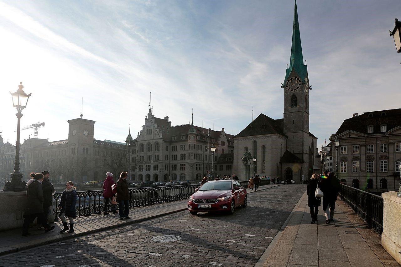 Швейцарцы нареферендуме проголосуют касательно судьбы иммигрантов и уменьшения налогов