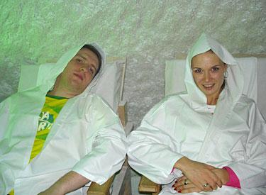Natalija ir Deivydas Zvonkai druskų kambaryje.