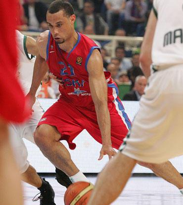 Veržiasi Trajanas Langdonas (CSKA)
