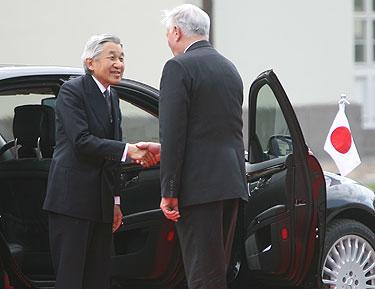 Japonijos imperatorius Akihito ir Valdas Adamkus