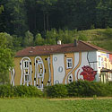 Linksmas namas