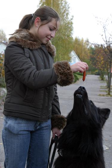 Organizatorė Gabrielė Širmenytė su augintiniu Tobiu