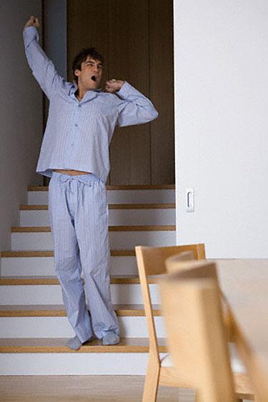 Vyras su pižama