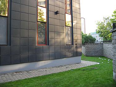 Ambasada Minske2