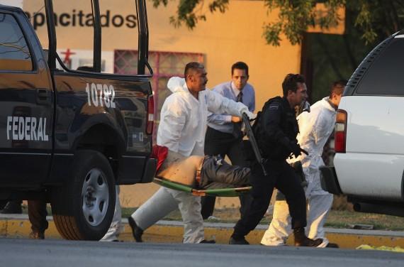 Meksikoje siautėjančios ginkluotos gaujos nužudė 30 žmonių, tarp jų miesto merą