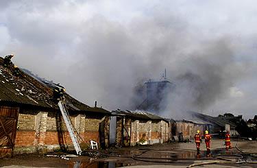 Gaisras bendrovės Vilniaus grūdai sandėlyje