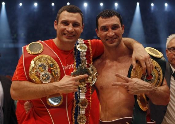 Хэй посоветовал братьям Кличко провести бой друг с другом