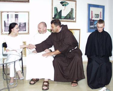 Renginio svečiai vienuoliai ir pianistė E.Bekova