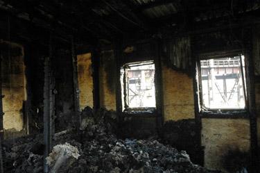 Padegtas policijos postas čigonų tabore