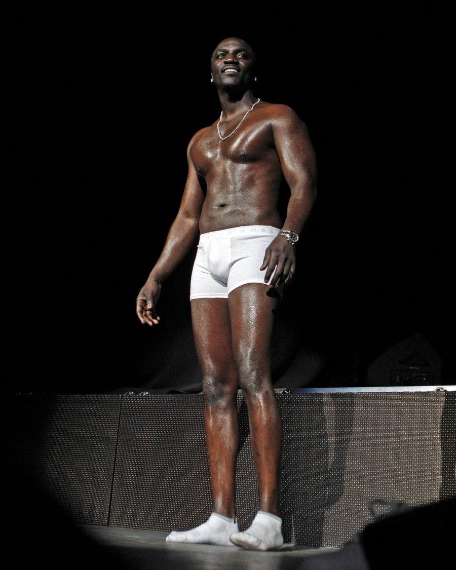 Nude photos of akon, real young flash