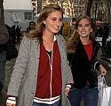 Lauren ir Ashley Bush
