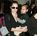 Angelina Jolie su įsūniu Maddoxu