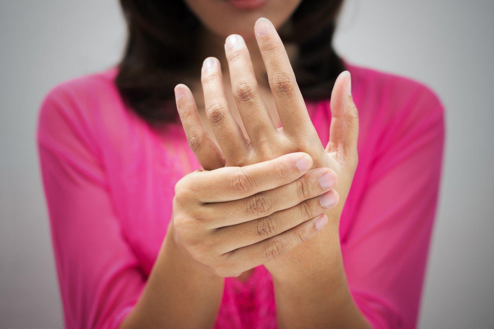 Rankos skausmas nuo peties iki alkūnės | mu-support.lt