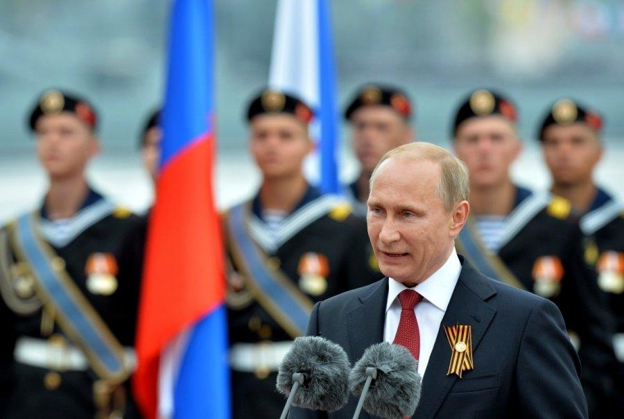 """Запад резко раскритиковал визит Путина в Крым 9 мая """" Информационное агентство МАНГАЗЕЯ"""