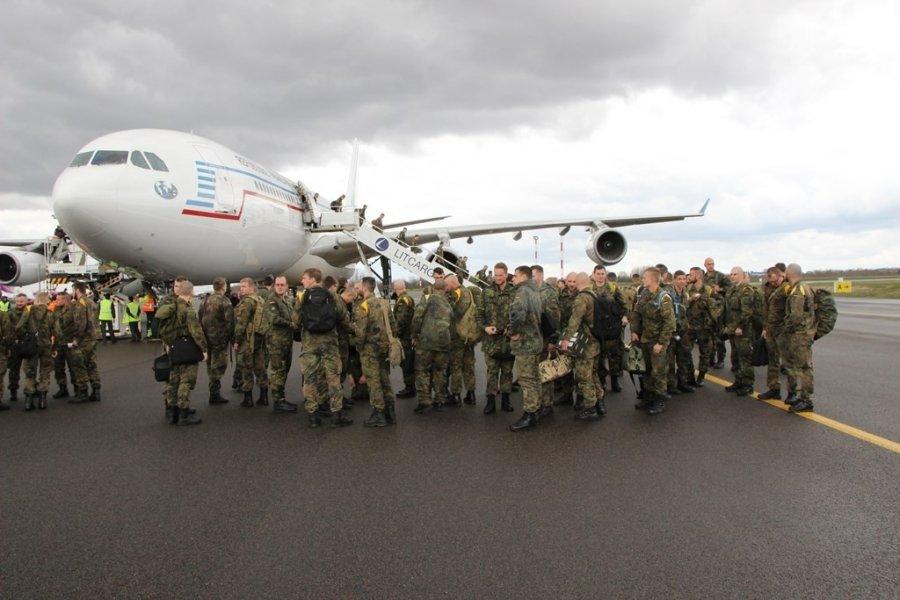 На фоне роста российской агрессии Пентагон разместит в странах Восточной Европы 250 единиц бронетехники - Цензор.НЕТ 1956