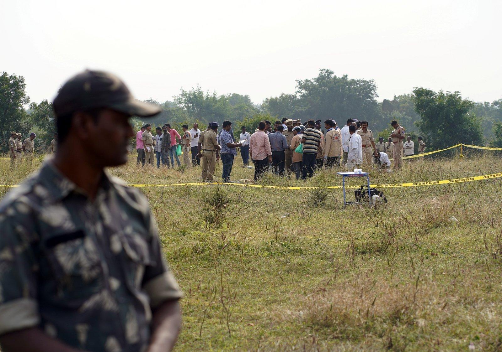 Народ требовал: Индийская полиция в ходе следственного эксперимента застрелила четырех подозреваемых в изнасиловании и убийстве молодой женщины