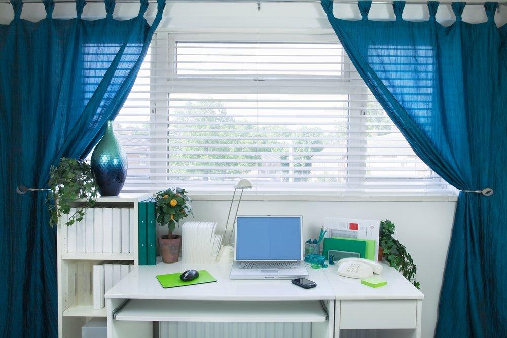 Idėjos, kaip įsirengti darbo vietą namuose — logopedeskabinetas.lt