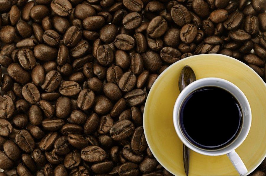 Ištyrė kavos poveikį organizmui: ji naudinga visiems, išskyrus vieną grupę